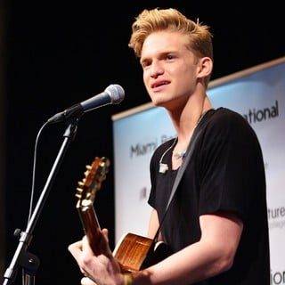 Cody Simpson in Cody Simpson Performs, Greets Fans and Signs Copies of His Book