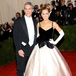 Andy Cohen, Sarah Jessica Parker in Charles James: Beyond Fashion Costume Institute Gala - Arrivals