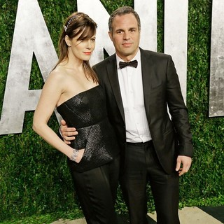 Sunrise Coigney, Mark Ruffalo in 2013 Vanity Fair Oscar Party - Arrivals