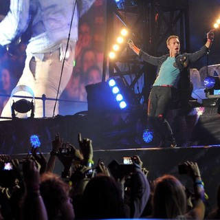 Chris Martin, Coldplay in Coldplay Perform Live as Part of Their Mylo Xyloto Australian Tour