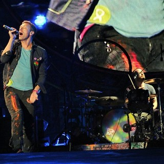 Chris Martin, Will Champion, Coldplay in Coldplay Perform Live as Part of Their Mylo Xyloto Australian Tour
