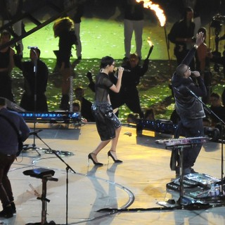 Jay-Z in Closing Ceremony for The Paralympics 2012 - coldplay-rihanna-jay-z-closing-ceremony-for-the-paralympics-2012-04