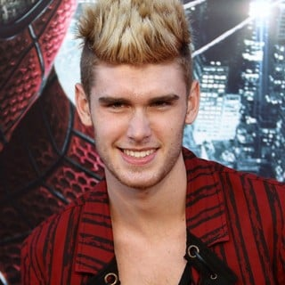 Colton Dixon in Los Angeles Premiere of The Amazing Spider-Man - Arrivals