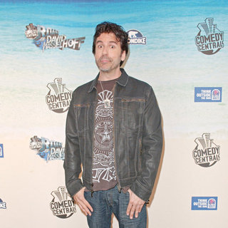 Greg Giraldo in Comedy Central Roast Of David Hasselhoff - Arrivals