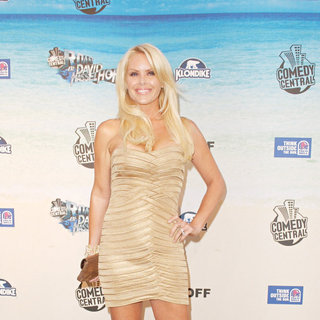 Gena Lee Nolin in Comedy Central Roast Of David Hasselhoff - Arrivals