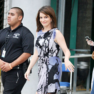 Tina Fey in Comic Con 2010 - Day 1 - Arrivals