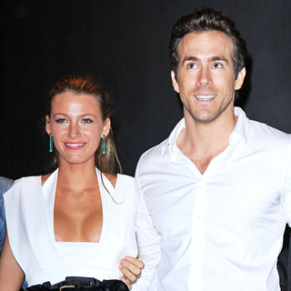 Blake Lively, Ryan Reynolds in Comic-Con 2010 - Day 3 - 'Green Lantern' Press Conference