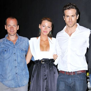 Peter Sarsgaard, Blake Lively, Ryan Reynolds in Comic-Con 2010 - Day 3 - 'Green Lantern' Press Conference