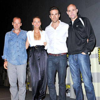 Peter Sarsgaard, Blake Lively, Ryan Reynolds, Mark Strong in Comic-Con 2010 - Day 3 - 'Green Lantern' Press Conference