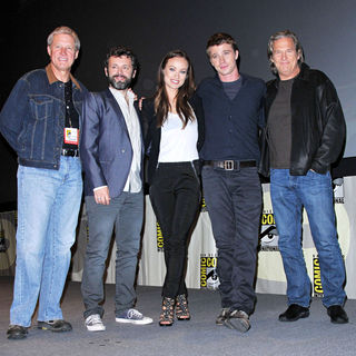 Bruce Boxleitner, Michael Sheen, Olivia Wilde, Garrett Hedlund, Jeff Bridges in Comic Con 2010 - Day 1 - 'Tron Legacy' Press Conference