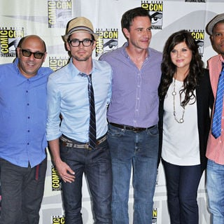 Tiffani-Amber Thiessen, Matthew Bomer, Tim DeKay, Sharif Atkins, Marsha Thomason, Willie Garson in Comic Con 2010 - Day 1 - 'White Collar' Photocall