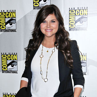 Tiffani-Amber Thiessen in Comic Con 2010 - Day 1 - 'White Collar' Photocall