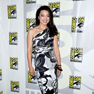 Ming-Na in Comic Con 2010 - Day 2 - 'Stargate: Universe' Photocall