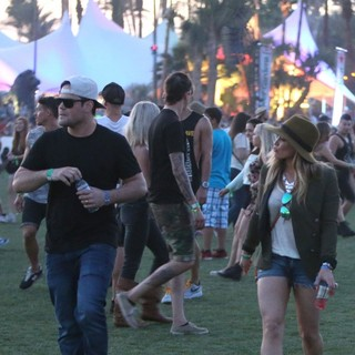 Hilary Duff in The 2013 Coachella Valley Music and Arts Festival - Week 1 Day 1 - comrie-duff-2013-coachella-valley-music-and-arts-festival-03