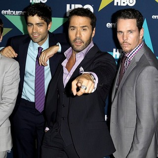 Adrian Grenier in Final Season Premiere of HBO's Entourage - connolly-grenier-piven-dillon-ferrara-premiere-entourage-final-season-01
