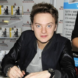 Conor Maynard in Conor Maynard Signs Copies of His Album Contrast and Meets Fans