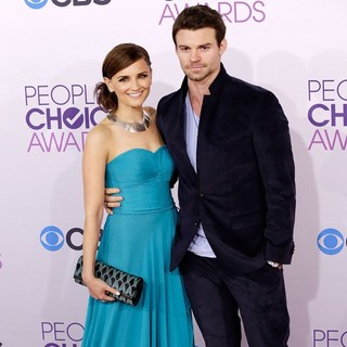 Daniel Gillies in People's Choice Awards 2013 - Red Carpet Arrivals - cook-gillies-people-s-choice-awards-2013-02