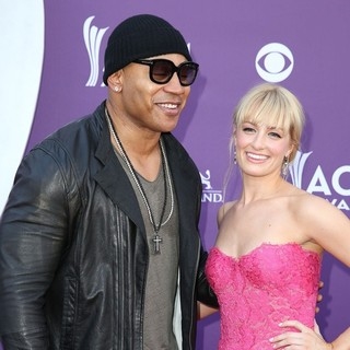 LL Cool J, Beth Behrs in 48th Annual ACM Awards - Arrivals