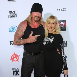 Rusty Coones, Katherine Coones in Premiere of FX's Sons of Anarchy Season Six - Arrivals