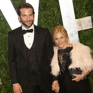 Bradley Cooper in 2013 Vanity Fair Oscar Party - Arrivals - cooper-campano-2013-vanity-fair-oscar-party-02