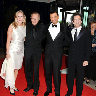 Larry King in 2010 White House Correspondents Association Dinner - Arrivals
