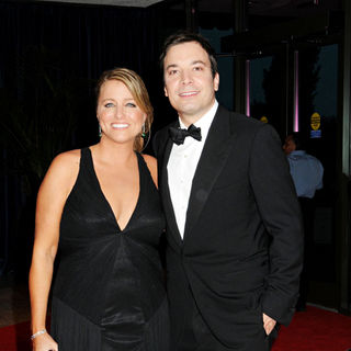 Nancy Juvonen, Jimmy Fallon in 2010 White House Correspondents Association Dinner - Arrivals