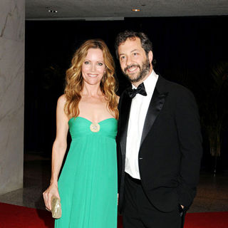 Leslie Mann, Judd Apatow in 2010 White House Correspondents Association Dinner - Arrivals