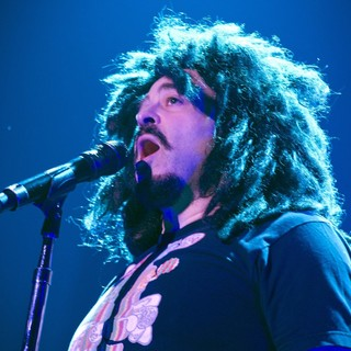 Counting Crows in Counting Crowes Perform Live - counting-crows-perform-live-12