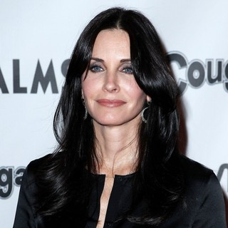 Courteney Cox in Cougar Town Viewing Party