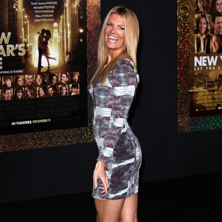 Courtney Hansen in Los Angeles Premiere of New Year's Eve