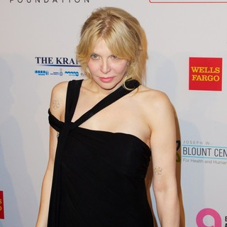 Courtney Love in Elton John AIDS Foundation's 12th Annual An Enduring Vision Benefit