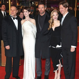 Russell Crowe, Anne Hathaway, Hugh Jackman, Amanda Seyfried, Tom Hooper in Les Miserables World Premiere - Arrivals