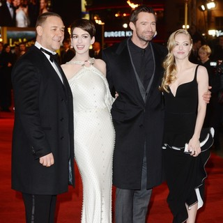 Les Miserables World Premiere - Arrivals - crowe-hathaway-jackman-seyfried-uk-premiere-les-miserables-02