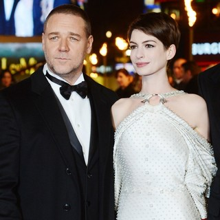 Les Miserables World Premiere - Arrivals - crowe-hathaway-uk-premiere-les-miserables-01