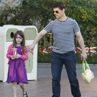 Suri Cruise, Tom Cruise in Tom Cruise and Suri Cruise Spend An Afternoon at Disneyland