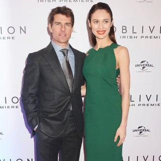 Tom Cruise, Olga Kurylenko in The Irish Premiere of Oblivion - Inside Arrivals