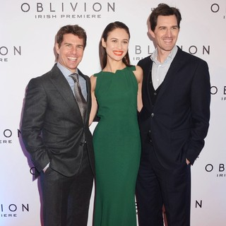 Tom Cruise, Olga Kurylenko, Joseph Kosinski in The Irish Premiere of Oblivion - Inside Arrivals
