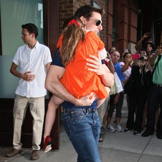 Tom Cruise - Tom Cruise and Suri Cruise Leaving The Greenwich Hotel