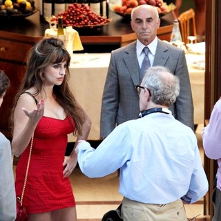 Penelope Cruz, Woody Allen in On The Set of New Film The Bop Decameron