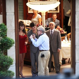 Woody Allen in On The Set of New Film The Bop Decameron - cruz-allen-set-the-bop-decameron-06