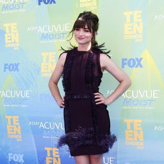 Crystal Reed in 2011 Teen Choice Awards