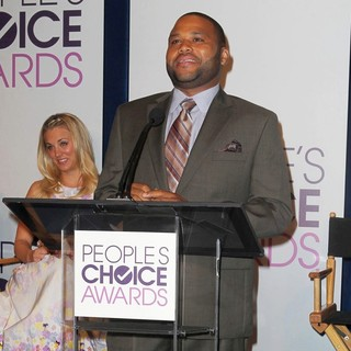 Kaley Cuoco, Anthony Anderson in The 2013 People's Choice Awards Nominee Announcements