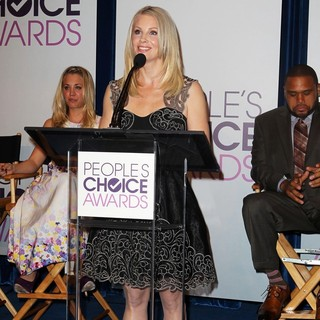 Kaley Cuoco, Monica Potter, Anthony Anderson in The 2013 People's Choice Awards Nominee Announcements