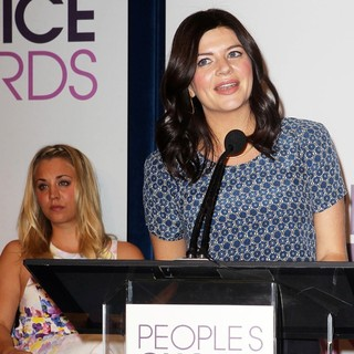 Kaley Cuoco, Casey Wilson in The 2013 People's Choice Awards Nominee Announcements