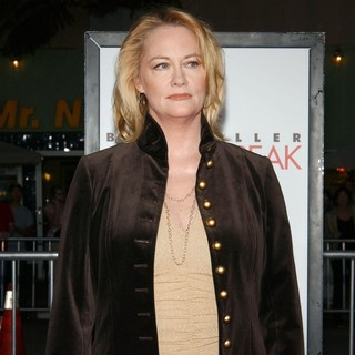 Cybill Shepherd in Los Angeles Film Premiere of The Heartbreak Kid - Arrivals