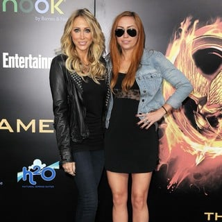 Tish Cyrus, Brandi Cyrus in Los Angeles Premiere of The Hunger Games - Arrivals