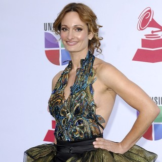 D'Manti in The 12th Annual Latin GRAMMY Awards - Arrivals