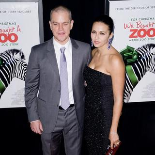 Matt Damon, Luciana Barroso in New York Premiere of We Bought a Zoo - Arrivals