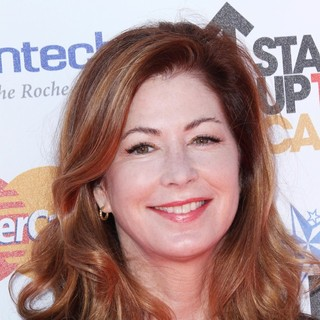 Dana Delany in Stand Up To Cancer 2012 - Arrivals