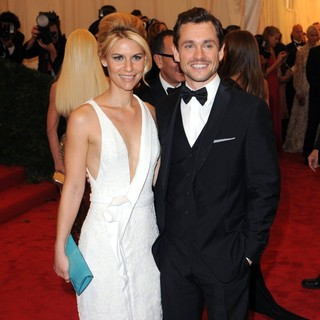 Claire Danes, Hugh Dancy in Schiaparelli and Prada Impossible Conversations Costume Institute Gala